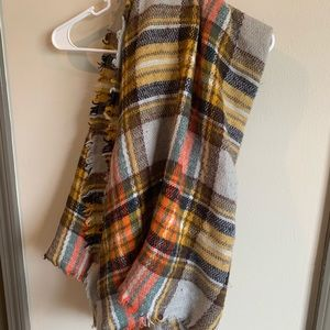 Large tweed scarf